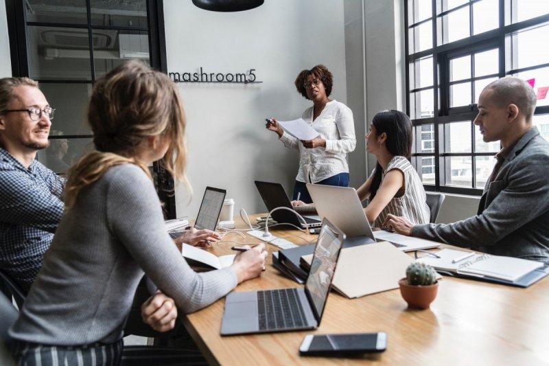 Rodéate de empleados ejes e impulsa tu negocio hacia el éxito